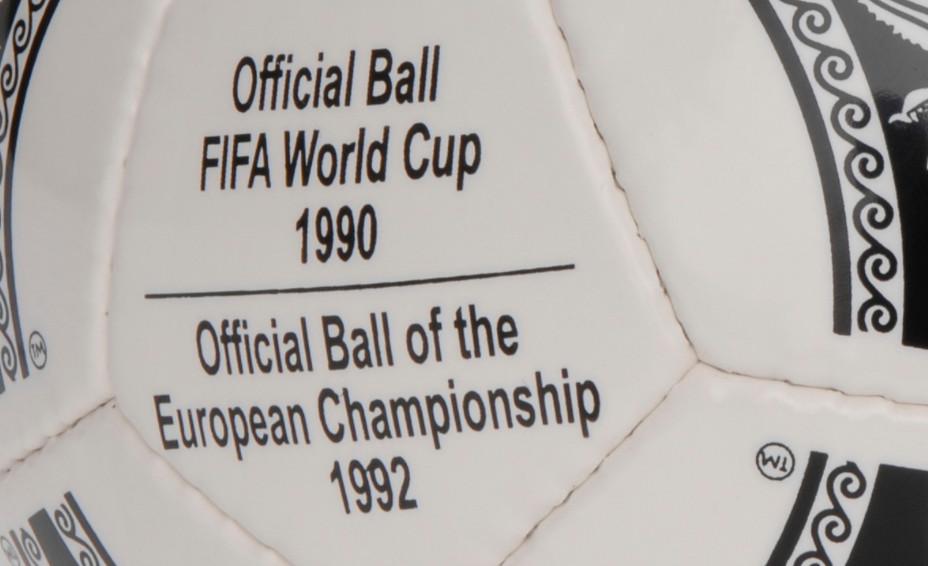 officcial_ball_EC_1992