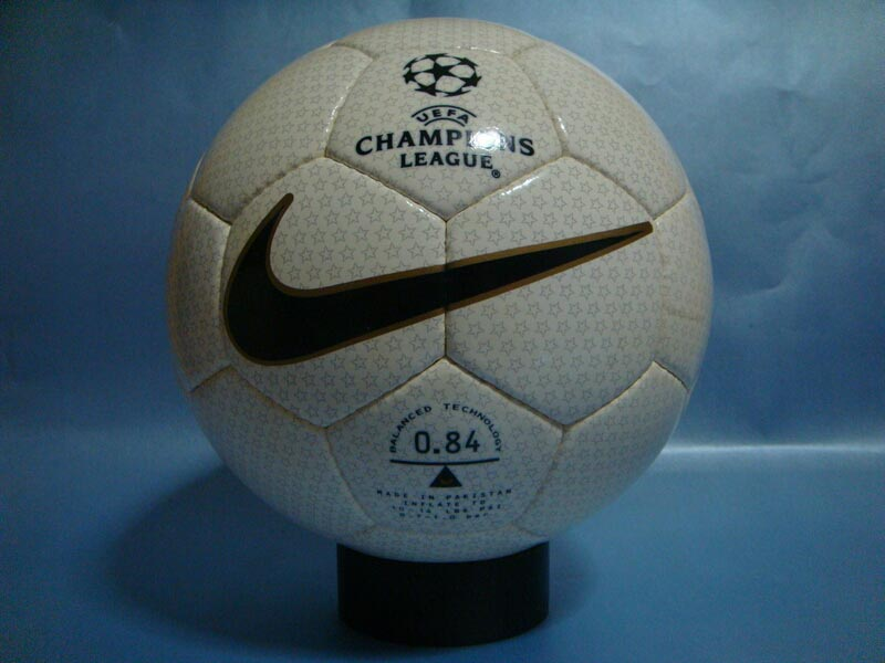Nike-NK-800-Geo-1999-UEFA-Champions-League-Final-04