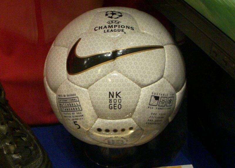 Nike-NK-800-Geo-1999-UEFA-Champions-League-Final-Original