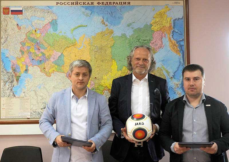 jako и футбольная национальная лига заключили соглашение