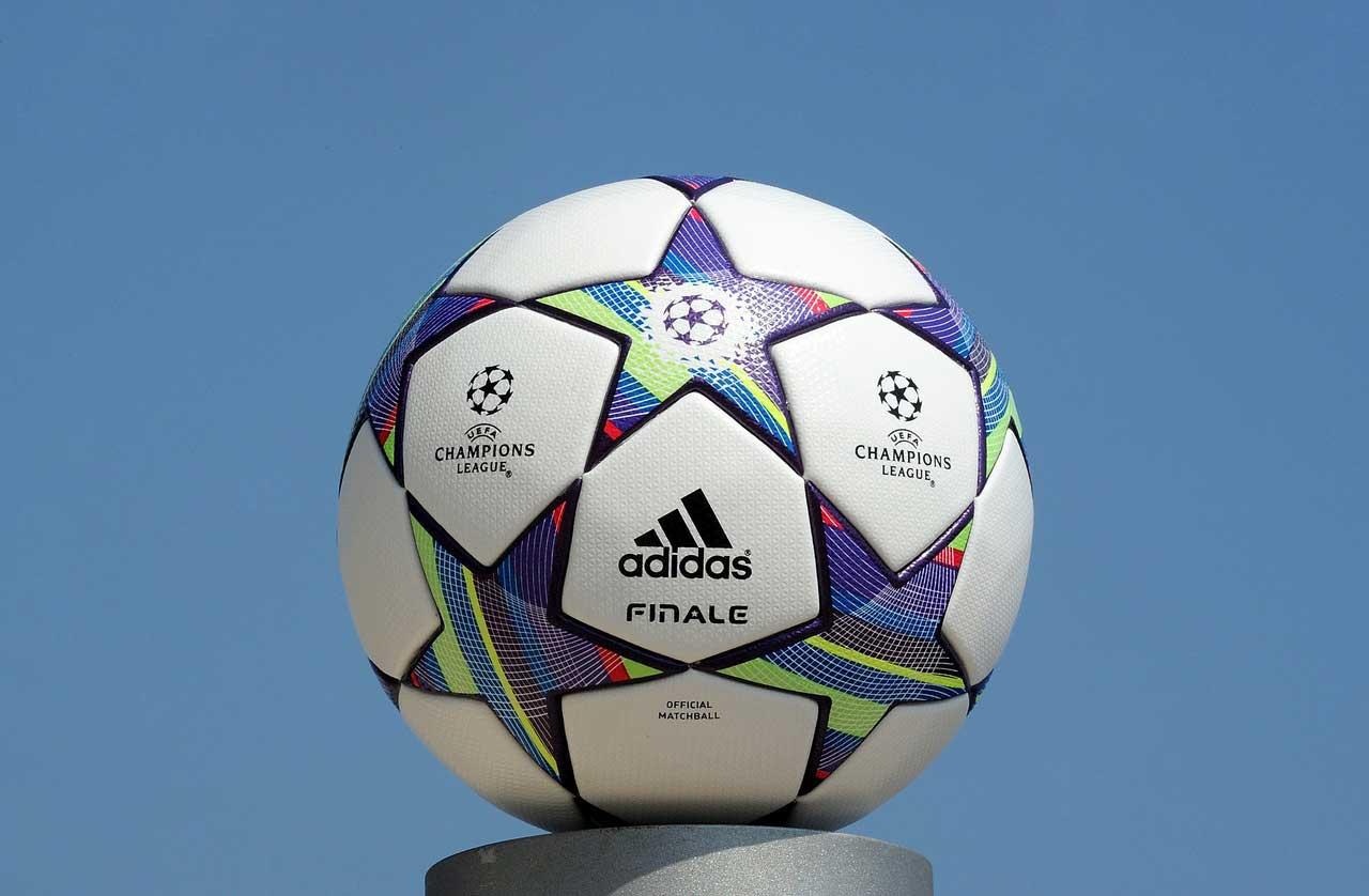 мяч лиги чемпионов 2011-2012