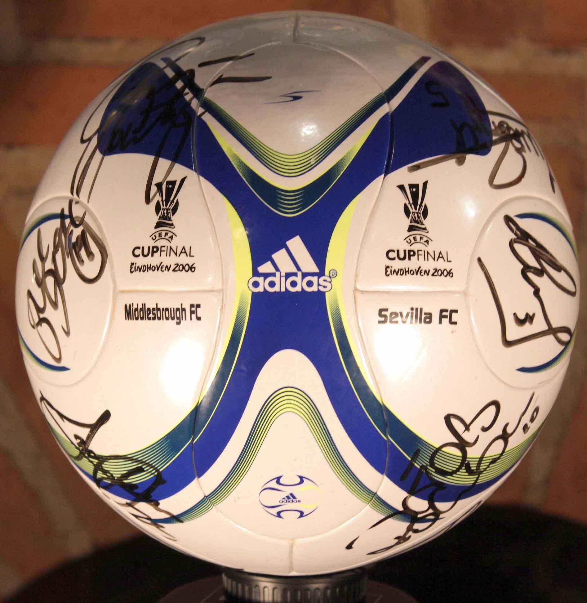 Мячом финала Кубка УЕФА 2006 стал мяч Adidas F50 TUNIT
