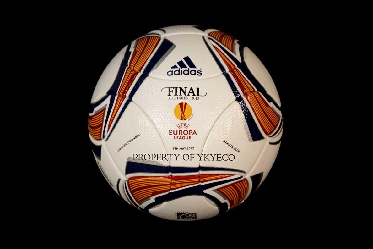 мяч финала Лиги Европы 2012