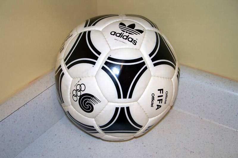 Официальный мяч Олимпийских Игр 1988 - Tango Seoul