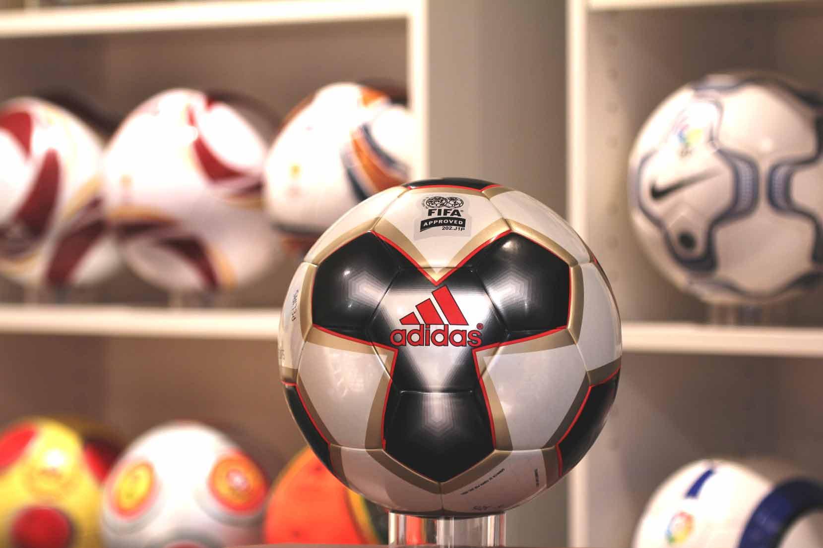 Официальный мяч Кубка Конфедераций 2005 — Pelias